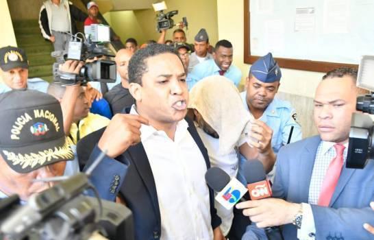 Photo of Procuraduría dice Octavio Dotel tiene más de 30 inmuebles en esquema de lavado de activos