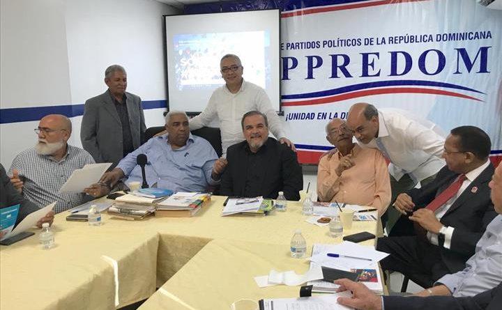 Photo of Pacto verde se reúne con directivos del FOPPPREDOM en busca de un acuerdo nacional a favor del Medioambiente y del Desarrollo Sostenible