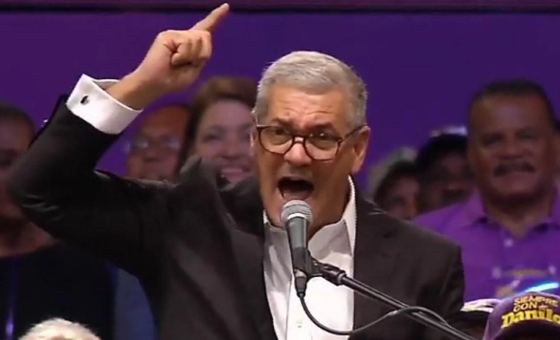 Photo of Gonzalo Castillo renuncia a Obras Públicas y formaliza aspiraciones presidenciales