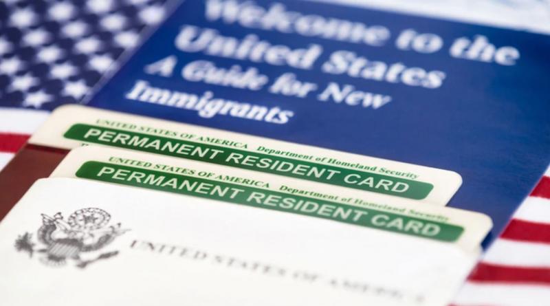 Photo of EEUU negará la ciudadanía a inmigrantes que reciban ayudas sociales