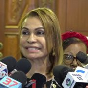 Senadora de Dajabón Sonia Mateo abandona el proyecto político de Reinaldo Pared y se sube a Gonzalo Castillo