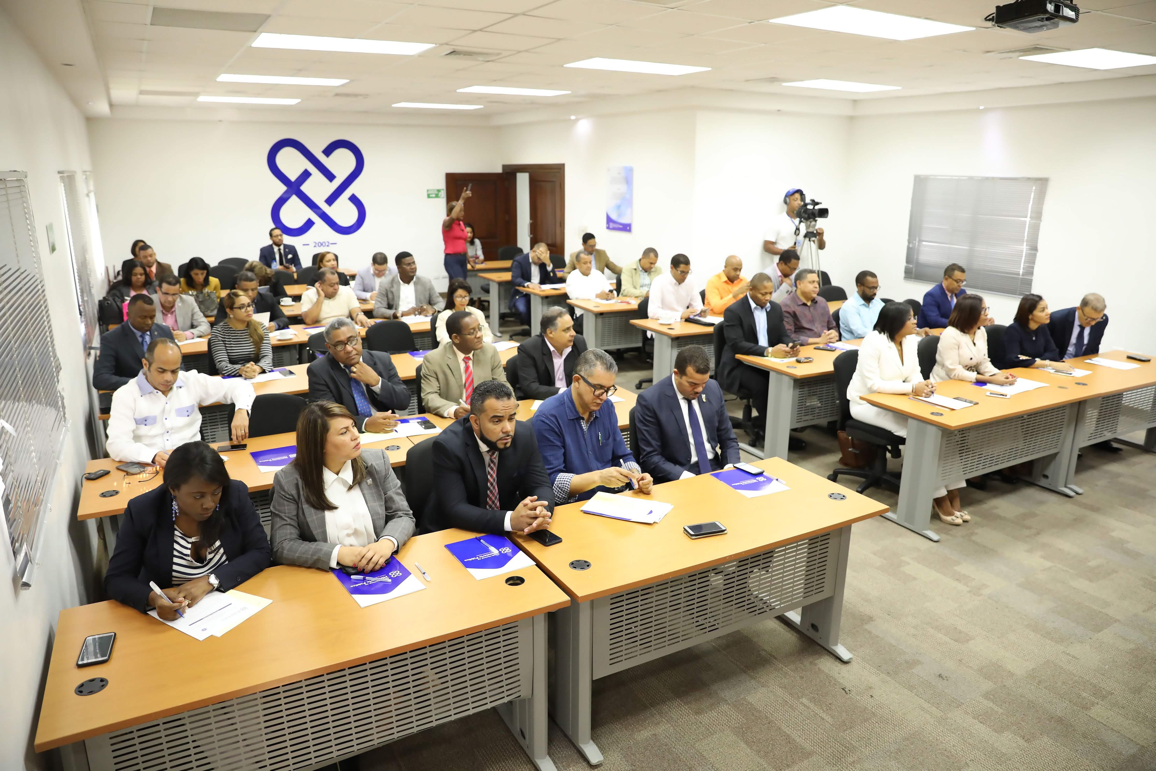 Photo of Fiscales se preparan para enfrentar delitos electorales en R. Dominicana