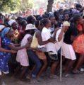 Ven entrega de raciones alimenticias a haitianos por parte del gobierno de RD incentiva a emigración ilegal y miseria VIDEO