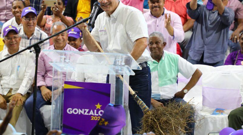 Photo of Gonzalo Castillo asegura que barrerá en las primarias de octubre