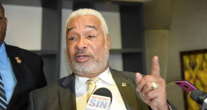 Photo of Presidente Cámara de Diputados: «¿Dónde dice que yo no puedo dirigir campaña?»