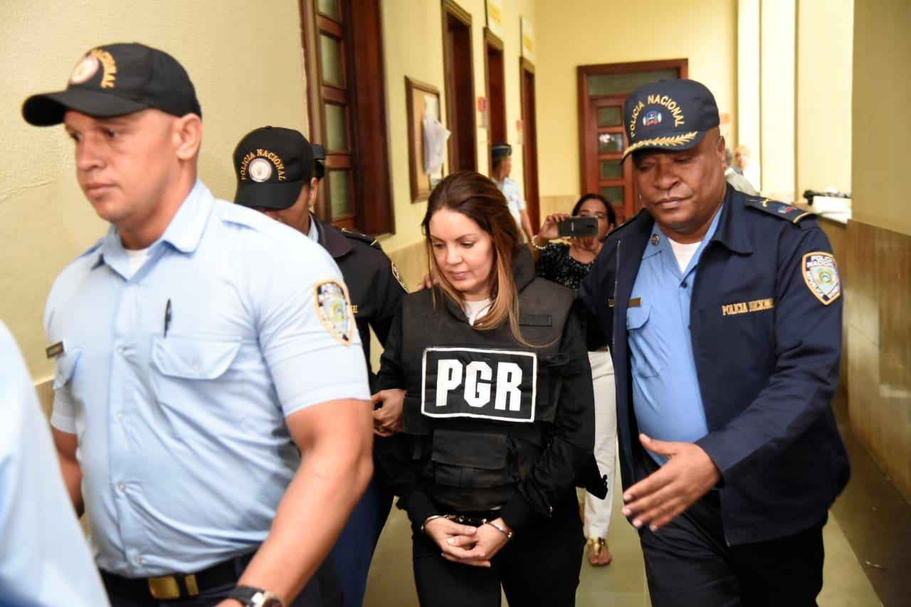 Photo of Juez aplaza para este viernes solicitud de coerción a Marisol Franco