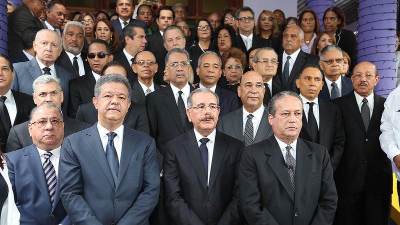 Photo of 72% de dominicanos aseguran el gobierno está fracasando en lucha contra la corrupción.