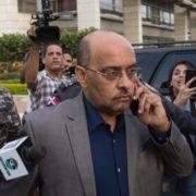 "Le gritan ""corrupto"" y ""asesino"" a fiscal del caso-feminicidio Anibel González"