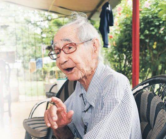 """Photo of La vida de los centenarios: Longevo de 103 años: """"El hombre solo debe tener una mujer"""""""