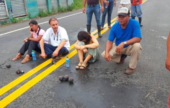 Photo of Doce heridos en ataque a bombazos a sacerdote y grupo de manifestantes en El Seibo