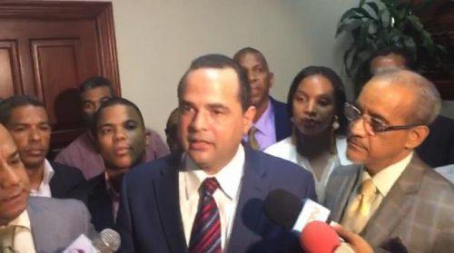 Photo of Otro precandidato del PLD expresa disgusto; pide inhabiliten a Gonzalo