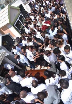 Photo of SFM sepulta bajo lágrimas a sus 5 jóvenes muertos en accidente