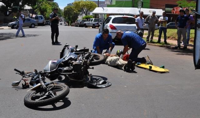 Photo of Tres hombres resultan heridos al colisionar motocicletas en las Matas de Farfán