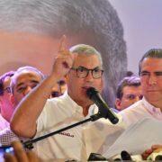 Gonzalo Castillo se proclama ganador y llama a la unidad peledeísta