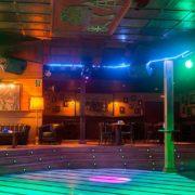 Estudiantes de primaria reciben docencia en discoteca de Puerto Plata