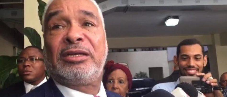 Photo of Denuncian Camacho mandó a trancar ciudadano le dijo «ladrón»