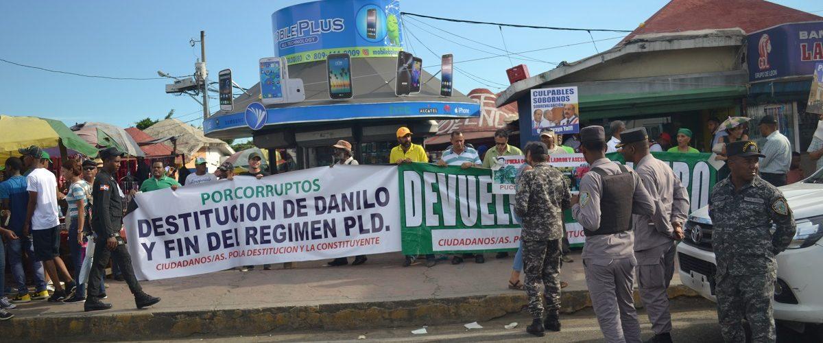 Photo of Cientos de activistas promueven huelga nacional por destitución de Danilo Medina y salida del PLD
