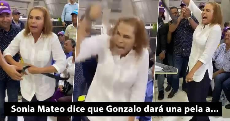 Photo of Sonia Mateo dando con una correa, ofreciendo una pela en acto de Gonzalo