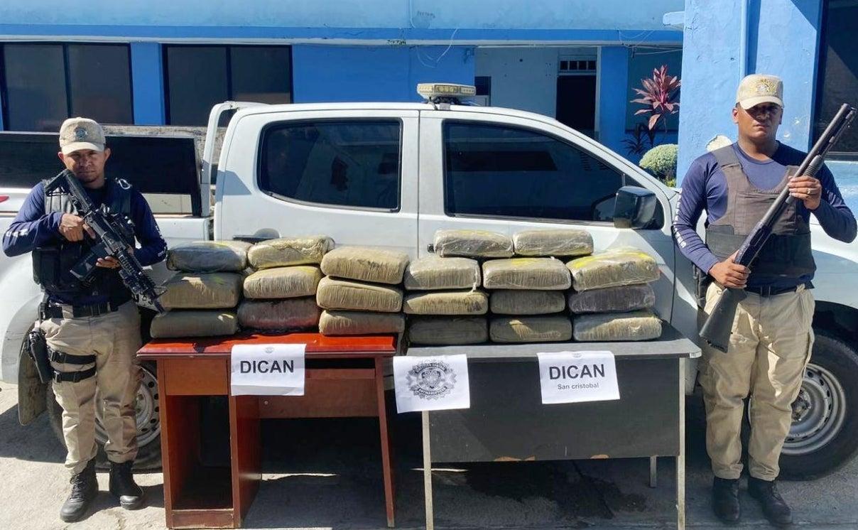 Arrestan chofer con 184 libras marihuana