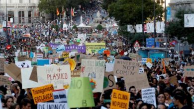 Photo of Cientos de miles de jóvenes se manifiestan en Italia en el Fridays For Future