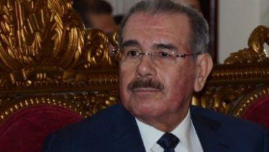 Photo of Danilo Medina: Entre la calentura de una bala suicida y los oxidados garrotes de Nayajo
