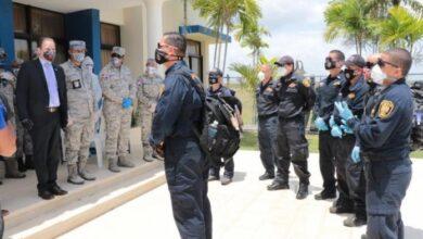 Photo of Llegaron los bomberos desde Puerto Rico para apagar fuego en Duquesa