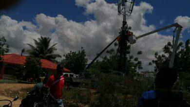 Photo of Dos contratistas quedan atrapados en una antena telefònica en San P. Macoris