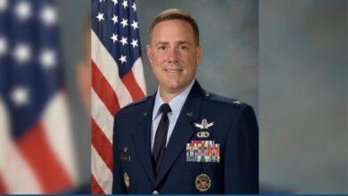 Photo of Encuestran muerto al comandante de la Base de la Fuerza Aérea Peterson, EEUU