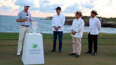 Photo of Abinader participa en entrega de premio de golf en Punta Cana